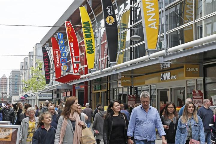 Winkelstraat in Almere
