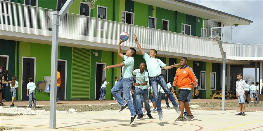 Caribisch Nederland sportende jongeren
