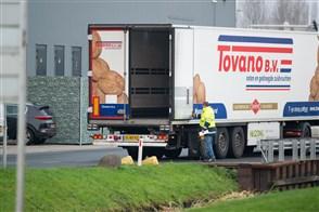 Lossen van goederen door vrachtauto