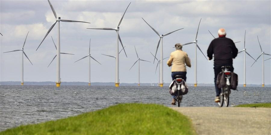 Windpark op het land en in het water