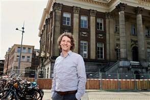 Jelmer Hitzert coördineert de onderzoeken binnen het CBS Urban Data Center/regio Groningen