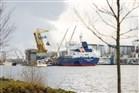 foto schepen worden in de haven gelost en of geladen