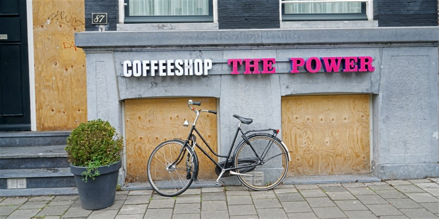 Coffeeshop the Power in Amsterdam gesloten en dichtgetimmerd.