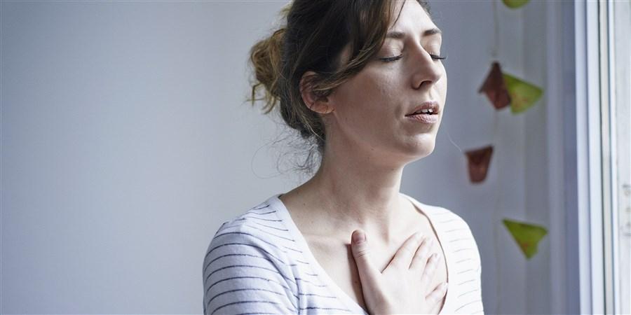 Vrouw met ademhalingsproblemen