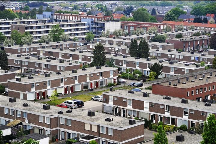 Panorama vanuit de lucht van de jaren zestig wijk Hatert