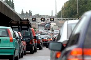 Drukte op snelweg A13 bij Rotterdam