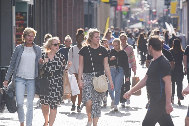 Crowded streets in The Hague