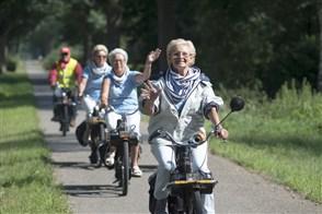 Brabant, De Peel, 29 augustus 2015, ouderen op de solex tijdens de Peellandrit