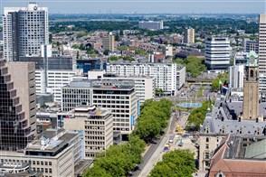 Uitzicht op bedrijven in Rotterdam