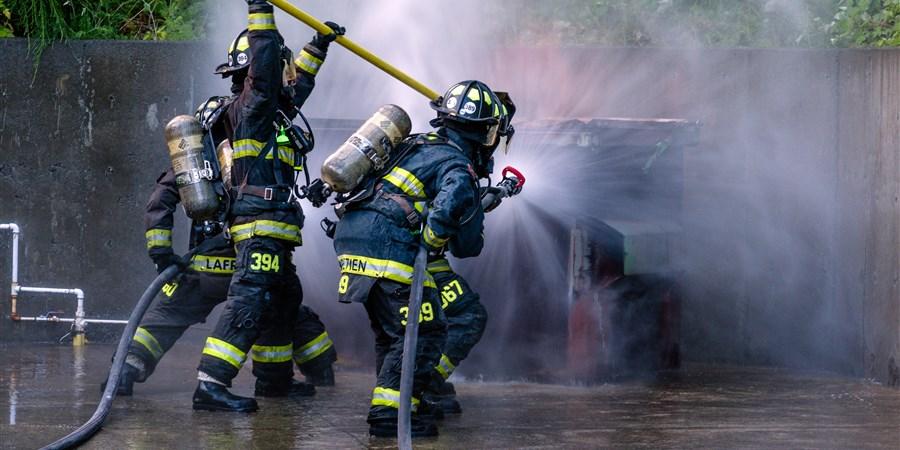 Brandweermannen in actie