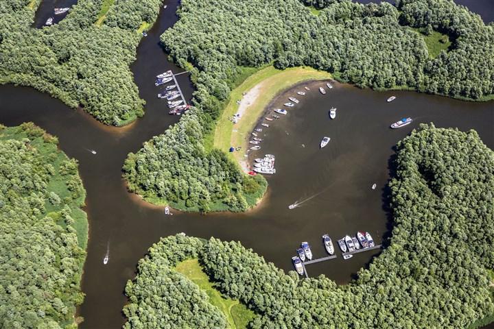 Luchtfoto van de Biesbosch