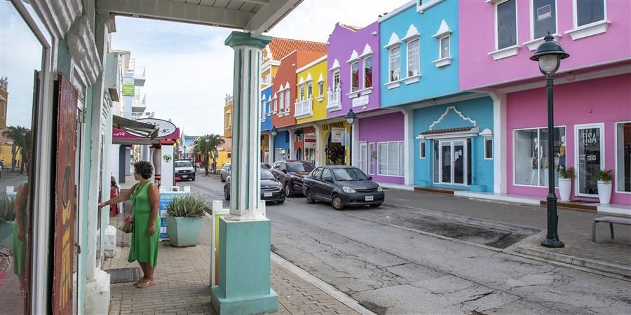 foto winkelstraat Bonaire