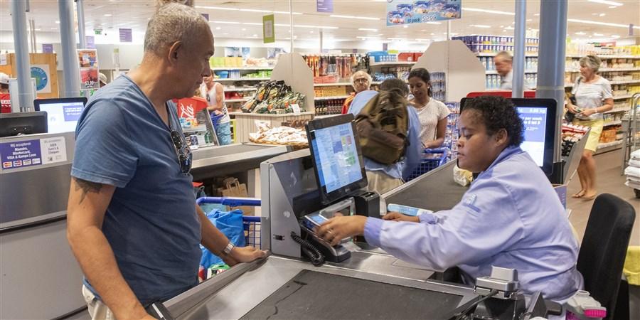 Bonaire, BES, Caribisch Nederland, Caribbean Netherlands, eiland, kassa, betaling, boodschappen, afrekenen, handel, prijzen, consumenten, consumptie, winkel, supermarkt, economie, consumentenprijzen, detailhandel