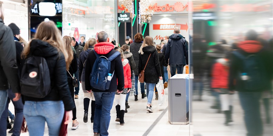 plaatje Winkelend publiek in het centrum