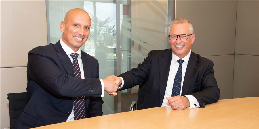 Paul de Krom, CEO van TNO (rechts) en Tjark Tjin-A-Tsoi, Directeur-Generaal CBS (links)
