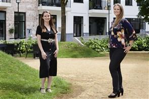 Ayla Meijs (links) en Rowena Deneer