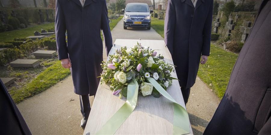 foto van een begrafenis