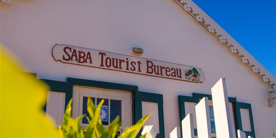 Het gebouw van het Tourist Bureau op Saba